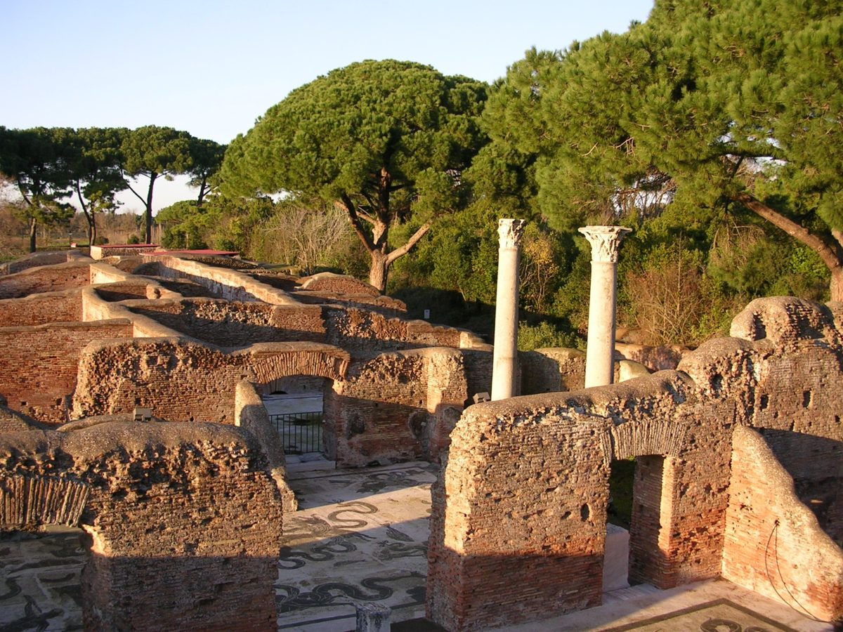 Gli scavi di Ostia Antica