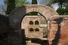 La necropoli sulla via Ostiense, Isola Sacra